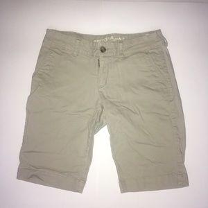 Arizona women's shorts size 5 beige